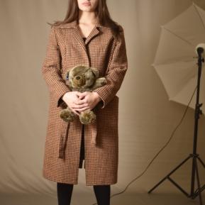Elene in photo studio